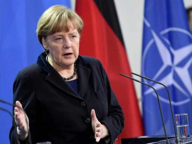 Меркель призвала ЕС поддерживать диалог с Россией
