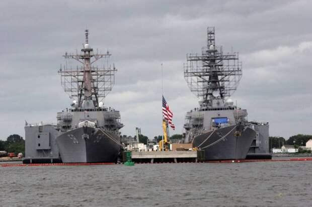 США направляют корабли к России пытаясь спастись от прогрессирующего упадка