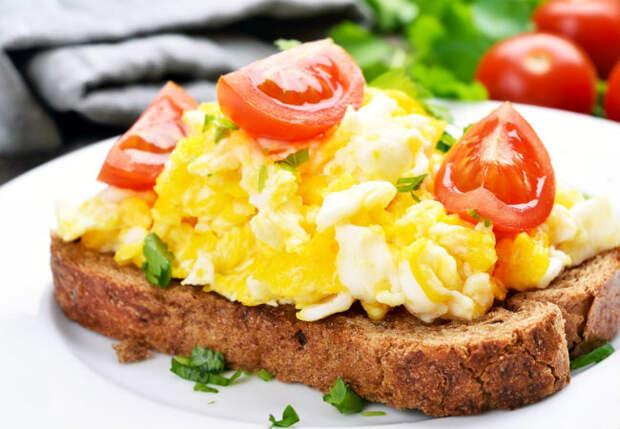 5 блюд за 5 минут: готовим гренки, закуску и основные блюда