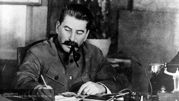 Киевский эксперт поблагодарил Сталина за подаренные Украине территории