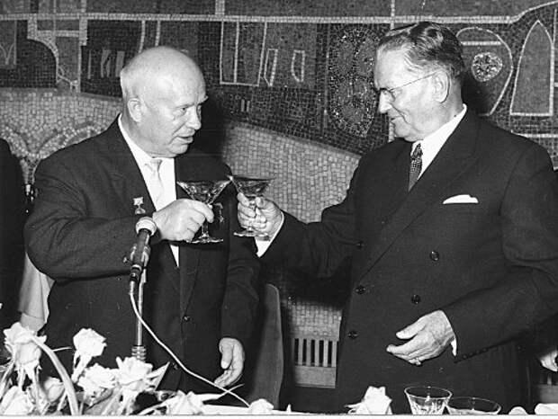 Секретная рюмка Никиты Хрущева: почему генсек пил, но не пьянел