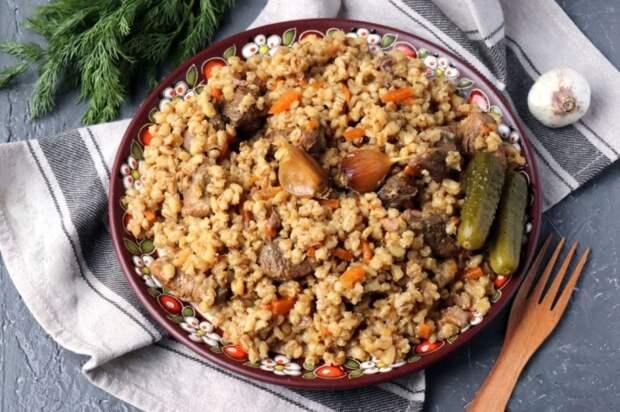 Плов из перловки. \ Фото: russianfoods.com.
