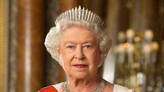 Елизавета II определилась со стороной в конфликте принцев Уильяма и Гарри