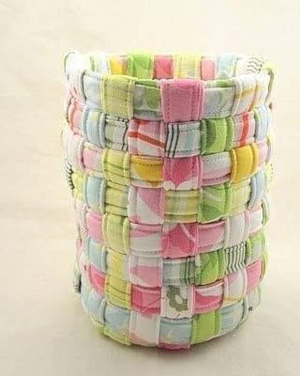 Плетём корзинку из полосок ткани 5