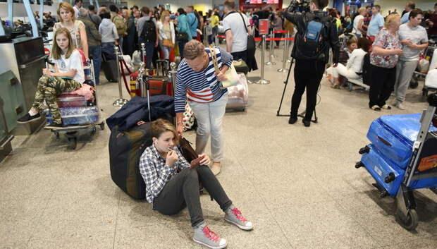 Количество задержанных и отмененных рейсов в столичных аэропортах выросло до 75
