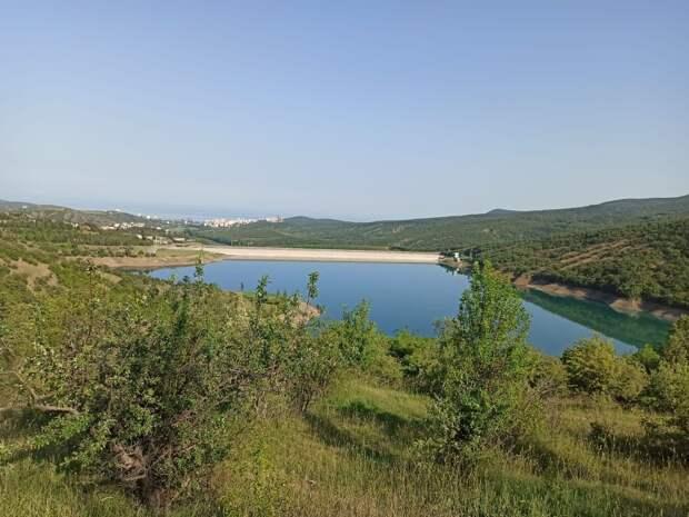 В Алуште могут ограничить подачу воды днём, власти призывают экономить ресурс
