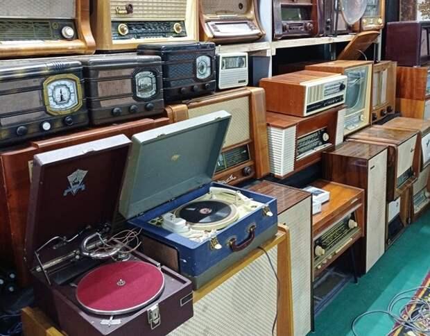 "Радиотехника в ретро-музее / Фото предоставлено винтажным салоном-музеем ""Ретро"""
