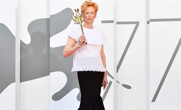 Маска, я тебя знаю: Кейт Бланшетт, Тильда Суитон и другие звезды на церемонии открытия Венецианского кинофестиваля