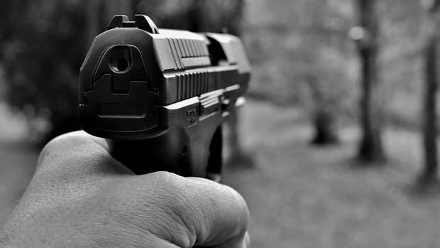 Словесная перепалка в соль-илецком кафе закончилась стрельбой из пистолета