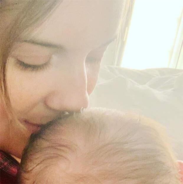 """Звезда """"Остаться в живых"""" и """"Сумерек"""" Мэгги Грейс впервые стала мамой"""
