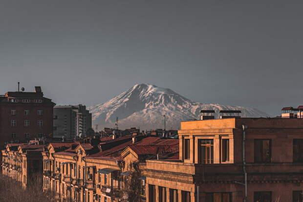Дарья Асламова о горькой истине Армении