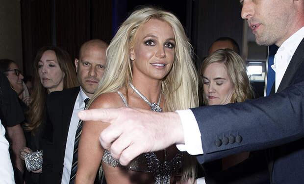 """Бритни Спирс устала молчать: """"Я знаю, что я странная"""""""