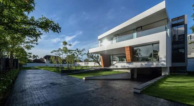 Дом с водопадом в Бангкоке