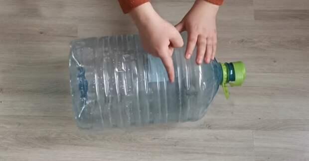Реальная красотень из пластиковых бутылей для воды. Пригодится каждому