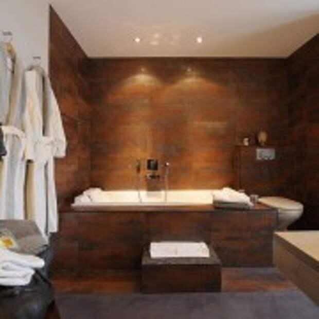 Облицовочная плитка под дерево в ванной