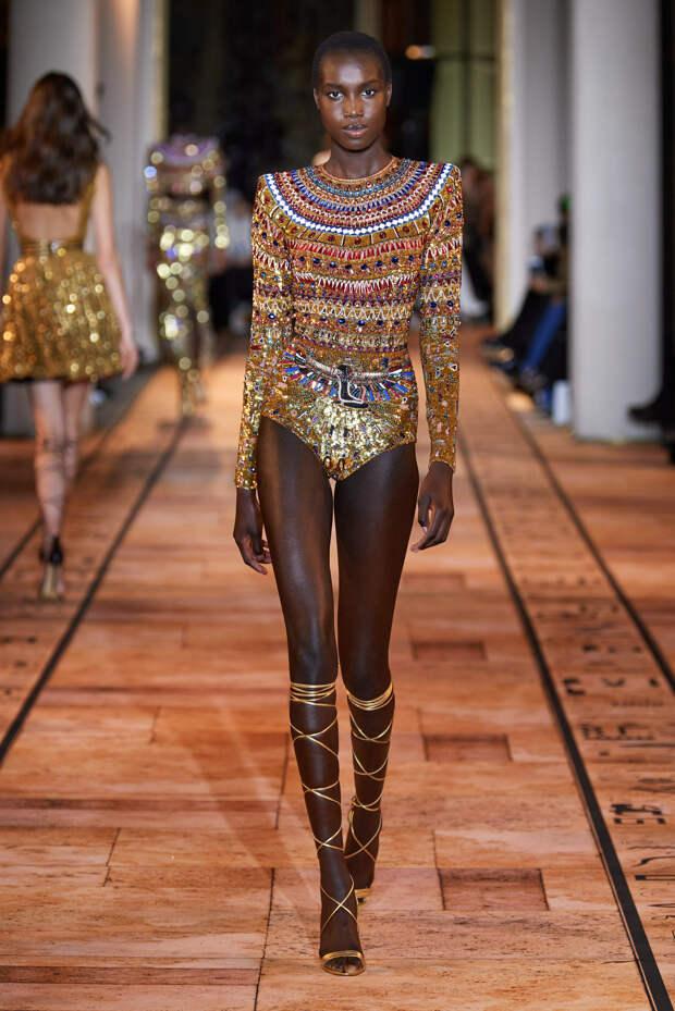 Новая коллекция Zuhair Murad как ода древнеегипетским царицам - фото 4