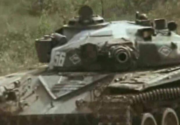 Джавелин поражает танк Т-72: выстрел сняли на видео