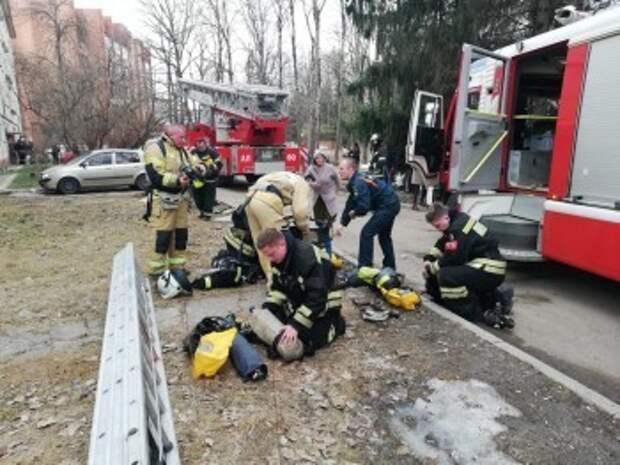 Трое пострадавших в пожаре детей попали в больницу