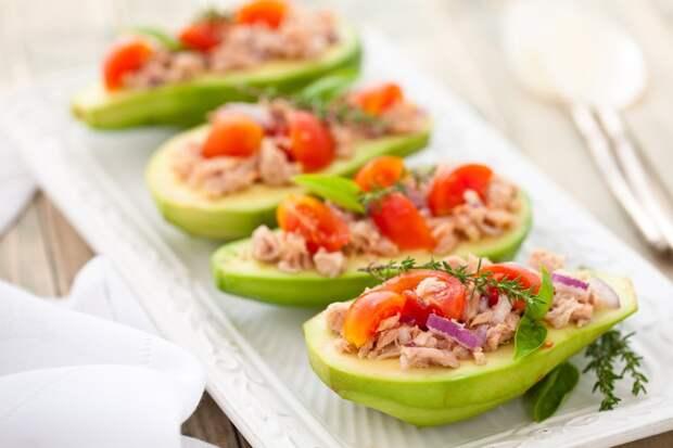 Простые блюда, которые можно съесть вместе с тарелкой