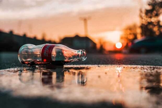Молодой мужчина умер, выпив полтора литра кока-колы за 10 минут