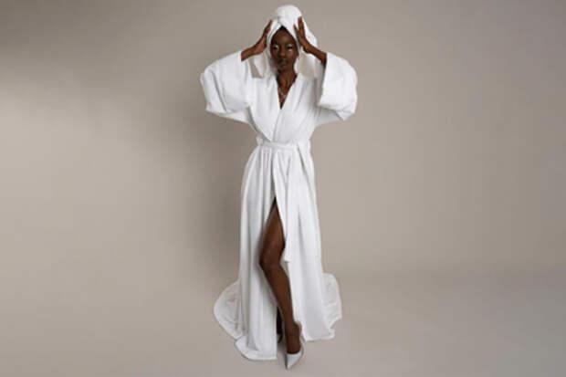 Британские модельеры представили главное новогоднее платье