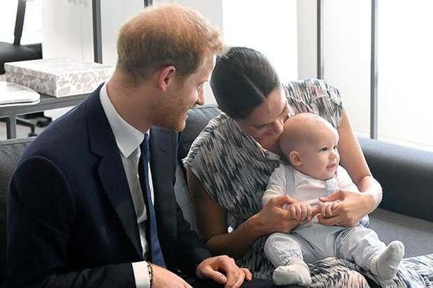 СМИ: первого ребенка Гарри и Меган лишат высшего титула