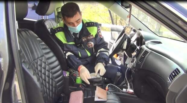 В Севастополе автоледи с признаками опьянения и амфетамином рассекала на машине по городу