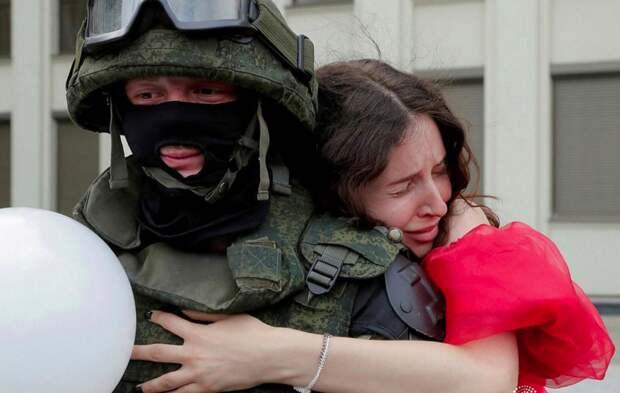 Белорусы честно ответили, ждут ли они прихода российских силовиков