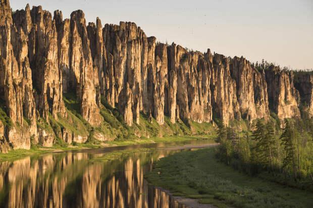 Странно, да? Очень красивая река, а так просто и обыденно называется! Синяя! Да, река Синяя!