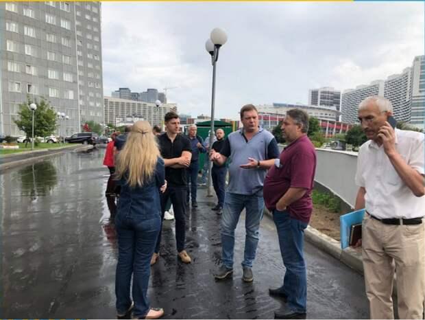 Сергей Бахров поручил устранить замечания по благоустройству на Ходынском бульваре