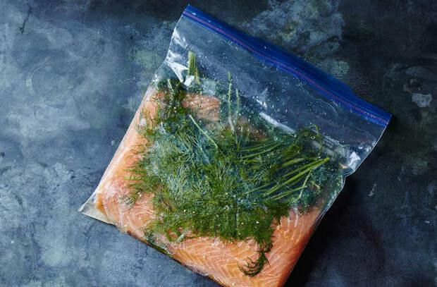 Засаливаем семгу с травами: царская закуска уже на следующий день