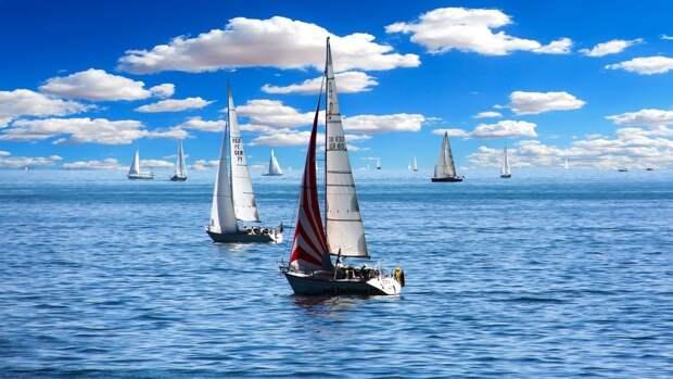 МЧС РФ рассказало о правилах пользования водным транспортом