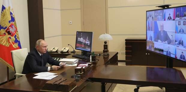 Путин предпочел визиту в Крым телемост с местными жителями