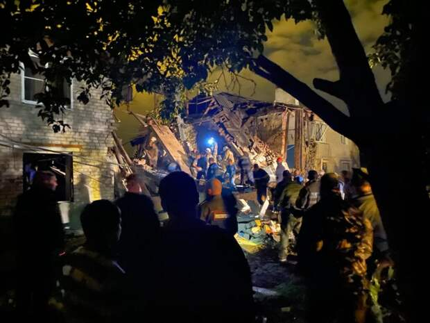 Повреждённый взрывом дом под Ельцом снесут