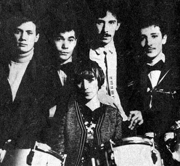 Фотографии из личных архивов звезд русского рока