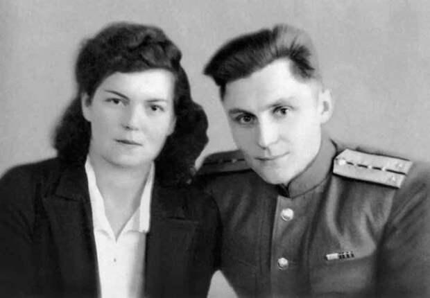 Владимир и Ариадна (Рада) Щербицкие в день свадьбы. 1945 г.