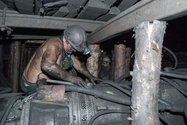 Стали известны самые опасные для здоровья профессии в России