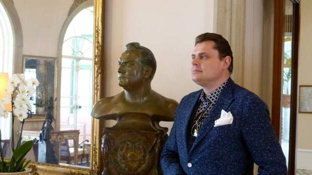 «Новость из психбольницы»: Понасенков иронично отреагировал на критику «Белоснежки»