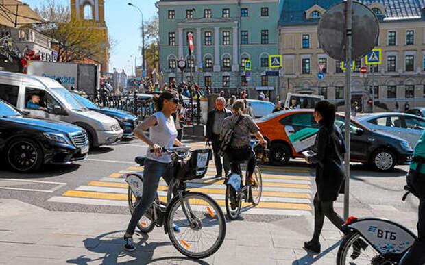 Что делать с велосипедистами на дорогах? Наш и не наш опыт