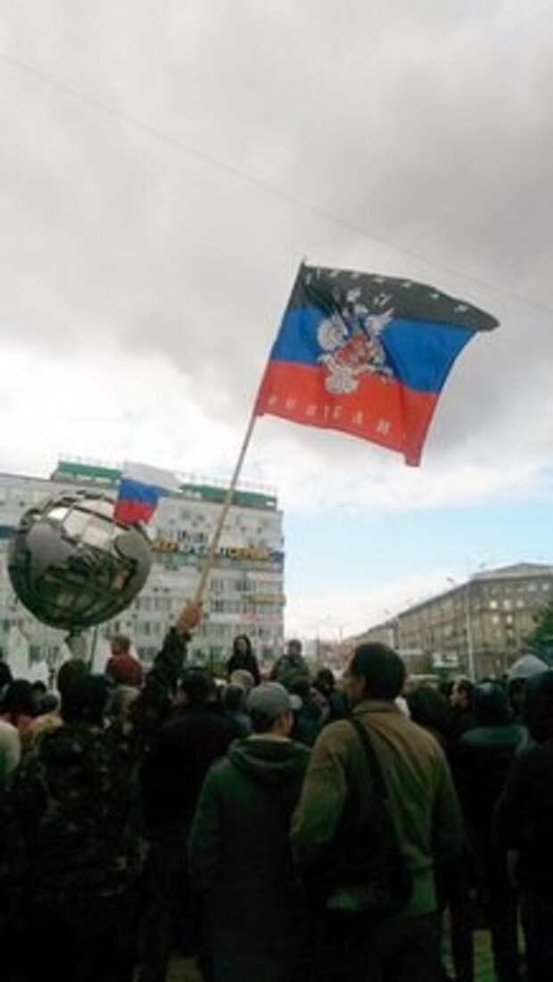 """Случайный пикет сторонников ДНР в Новосибирске превысил количество участников """"Марша предателей"""" в десять раз"""