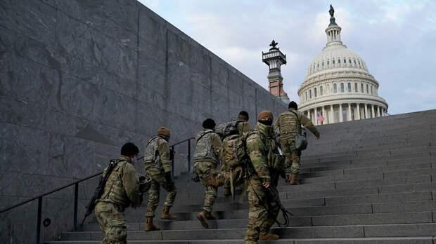 В Вашингтон продолжают прибывать войска для «искоренения темных сил расизма»