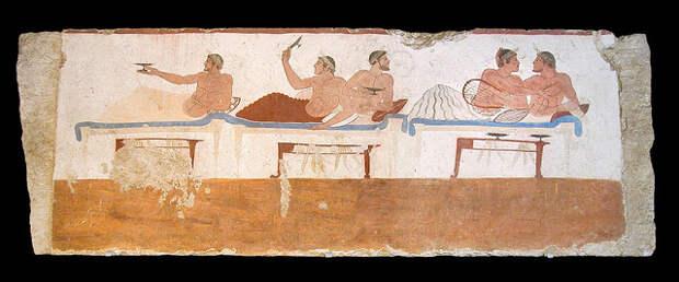 Историки воссоздали застольную игру древних греков