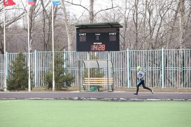 На стадионе «Свиблово» обновили покрытие на беговой дорожке и спортплощадках