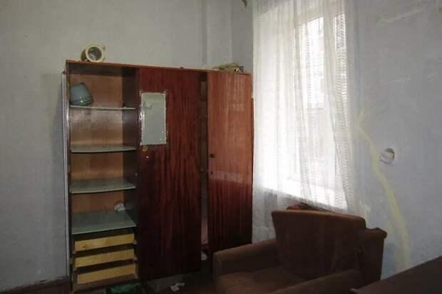 Дочка продала 5/6 квартиры, оставив маму на ее законных 8 квадратных метрах - на кухне. История моих клиентов