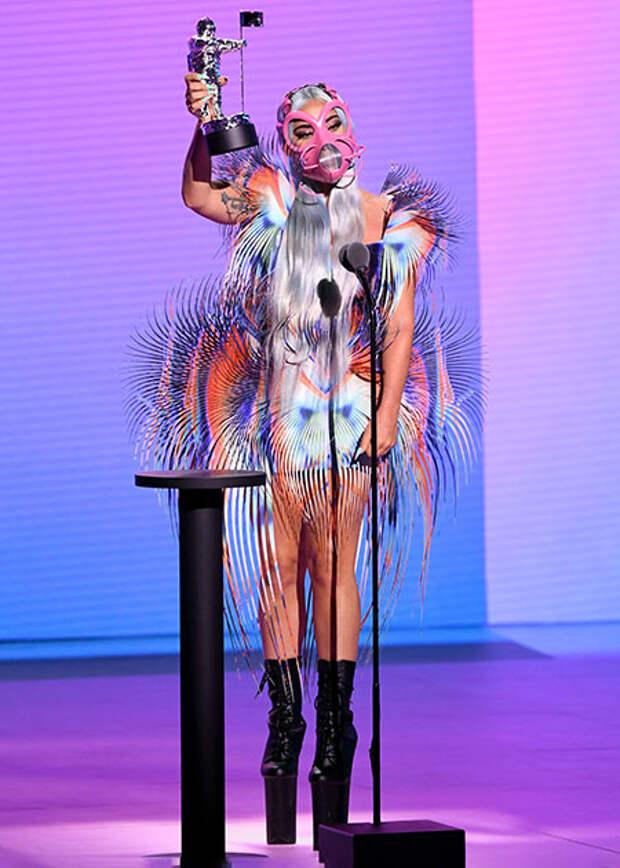 Леди Гага, Майли Сайрус, Белла Хадид и другие гости MTV Video Music Awards 2020