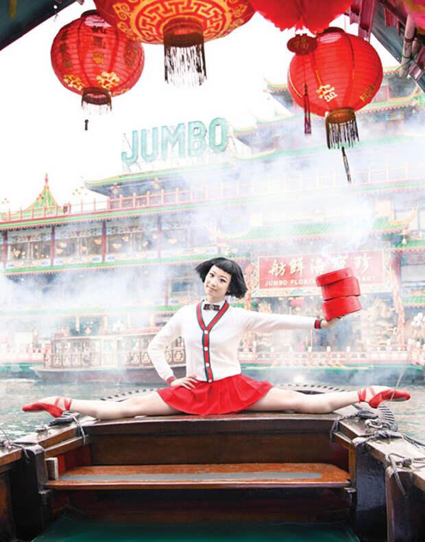 Яркие фотографии на фоне гонконгских достопримечательностей.