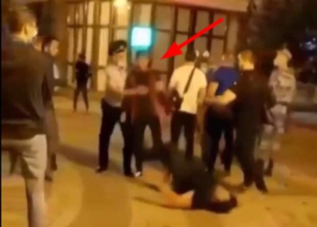 Мужчина, затеявший драку в центре Симферополя, ответит по закону