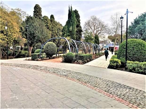Власти Ялты обустраивают парки и скверы в городе за 350 млн рублей