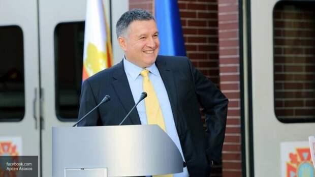 Он реальный хозяин Украины: почему у Зеленского не хватит сил избавиться от Авакова