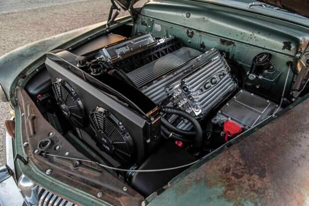 Полностью электрический Mercury Coupe 1949 с сердцем Теслы